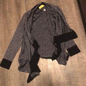 ❤️ RARE St. John Beautiful Non Zip Sweater ❤️